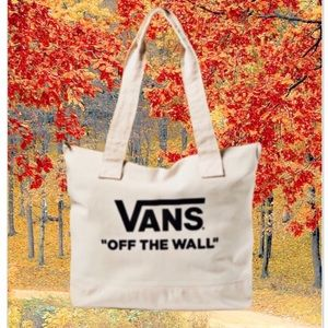 👧COLLECTORS ♥️VANS OF THE WALL 66 LIMITED EDITION